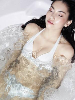 Se relaxer en piscine sur la cote d'azur (06)